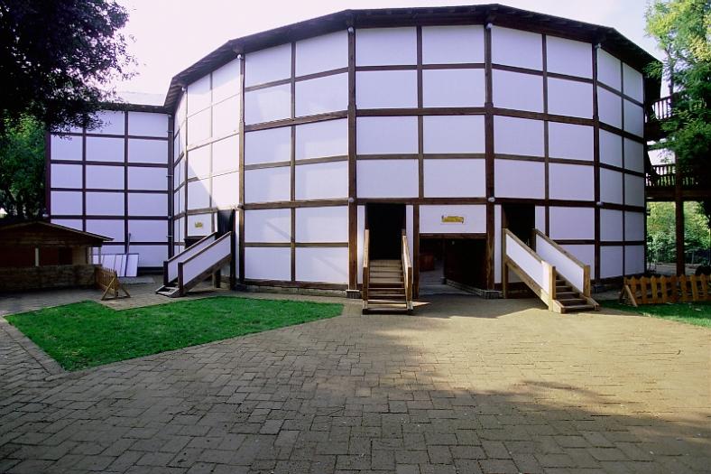 globe-theatre-roma