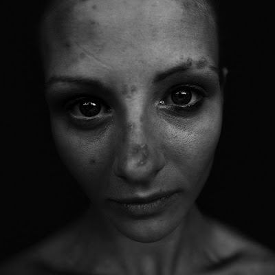 homeless-black-and-white-portraits-lee-jeffries-01