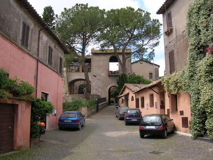 Isola_Farnese_2006