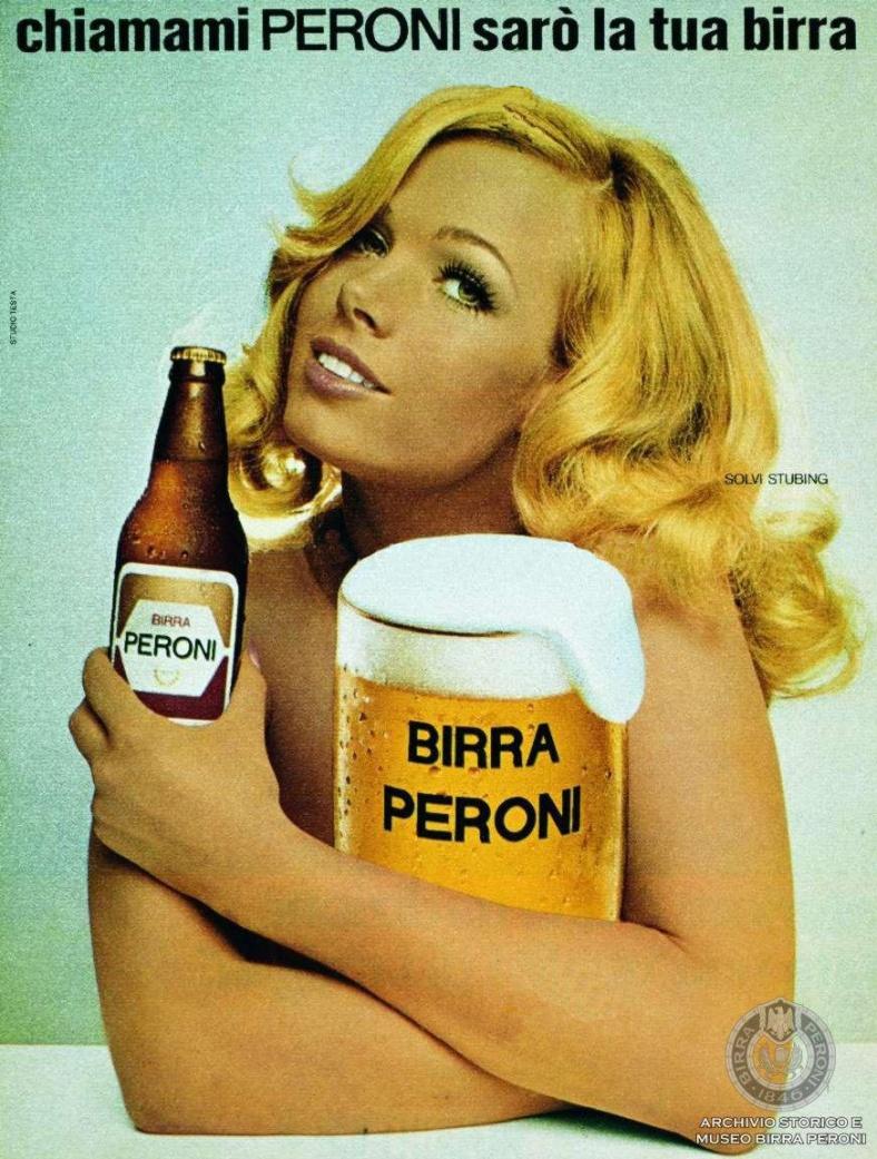 Campagna-pubblicitaria-per-la-Bionda-Peroni-con-l-attrice-Solvi-Stubing-chiamami-Peroni-saro-la-tua-birra-Archivio-storico-e-Museo-Birra-Peroni-Fondo-Fotografico