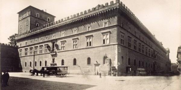 ernesto_richter_palazzo_venezia_allora_sede_dell_ambasciata_dell_impero_austro_ungarico_a_roma_1900_circa_gallery